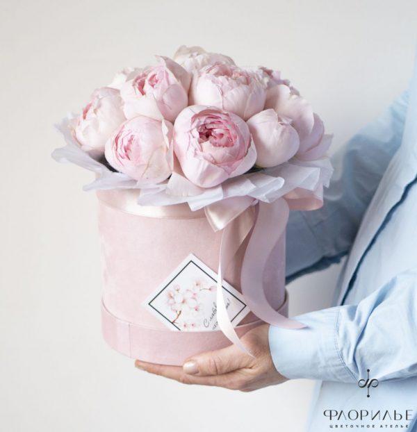 Розы Пионио Пинк в шляпной коробке композиции в шляпных коробках, монобукет, роза ПиониоПинк